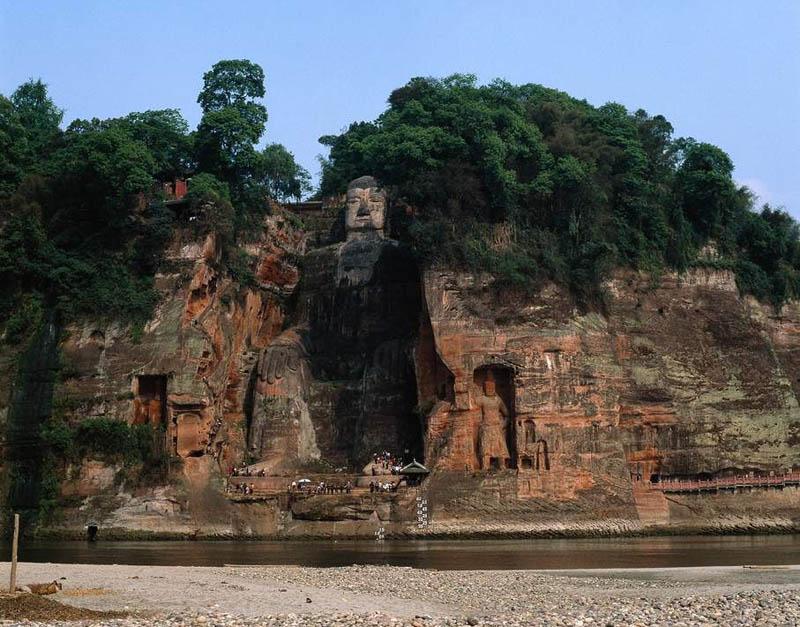 Гора Эмэй и Большой Будда в Лэшане