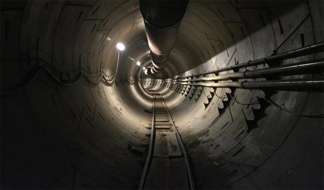 Первые изображения туннеля буровой машины Илона Маска